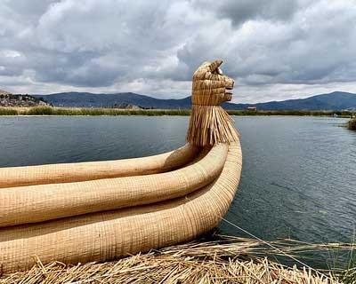 bateau en jonc gant, totora
